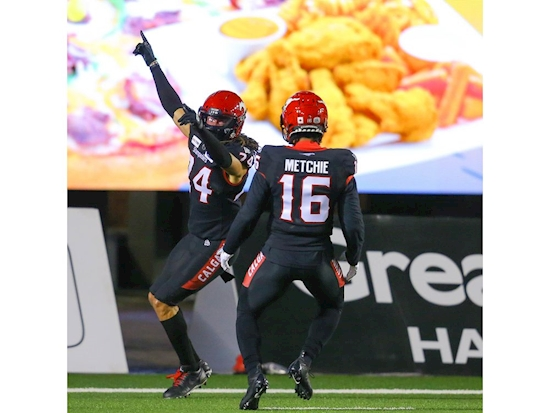 Calgary Stampeders hold tough against scrappy Riders team