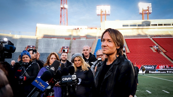 Grey Cup halftime performer Keith Urban curious about CFL